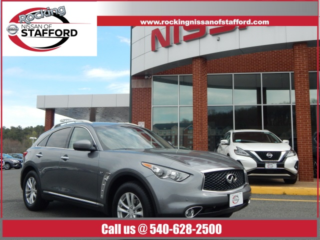 Pre-Owned 2017 INFINITI QX70 AWD